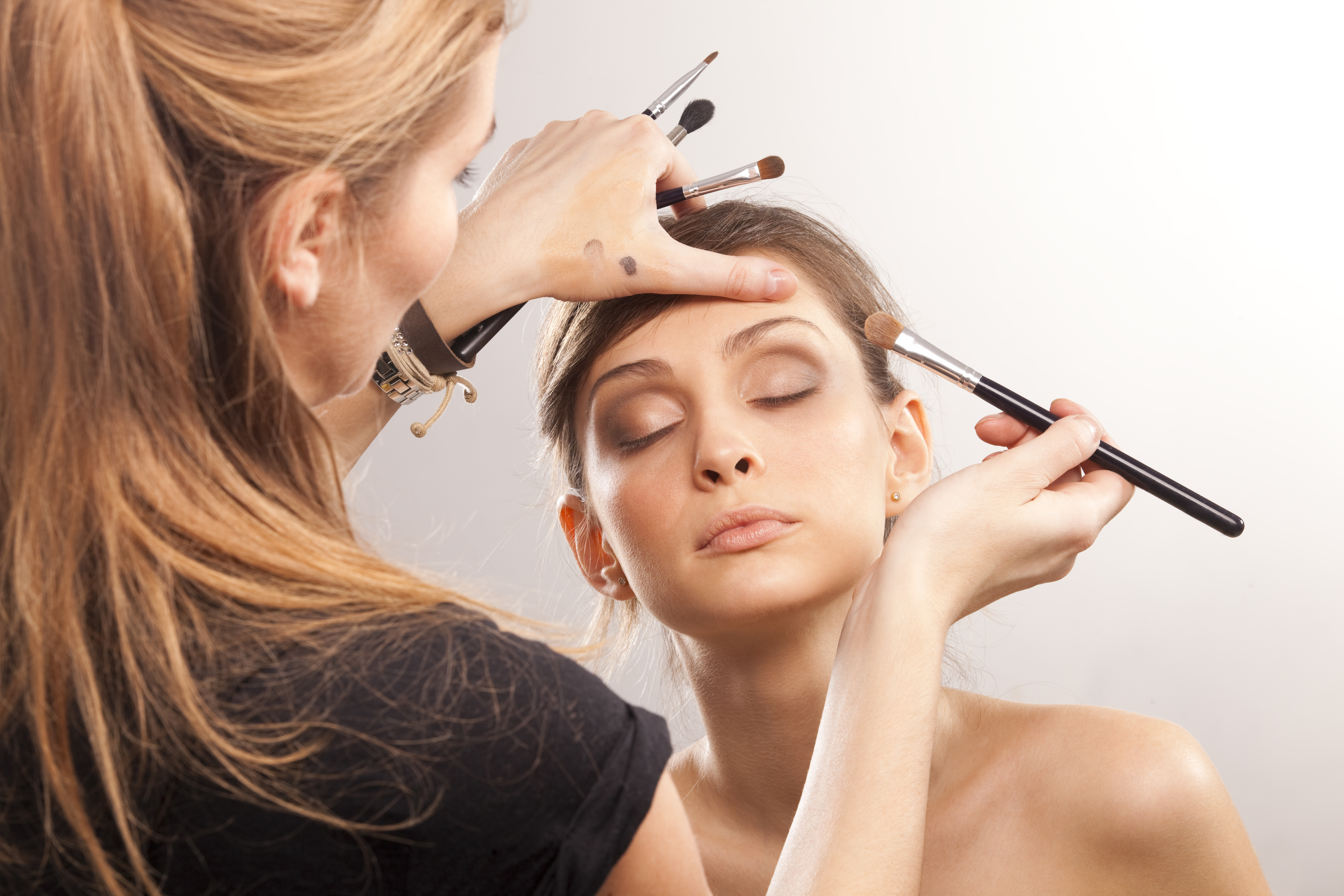 experts including makeup artists - HD 5616×3744